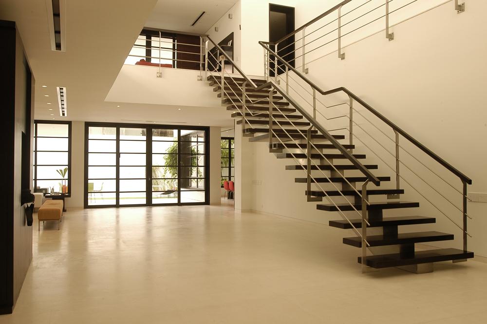 Diseño y fabricacion e instalacion de escaleras en acero inoxidable